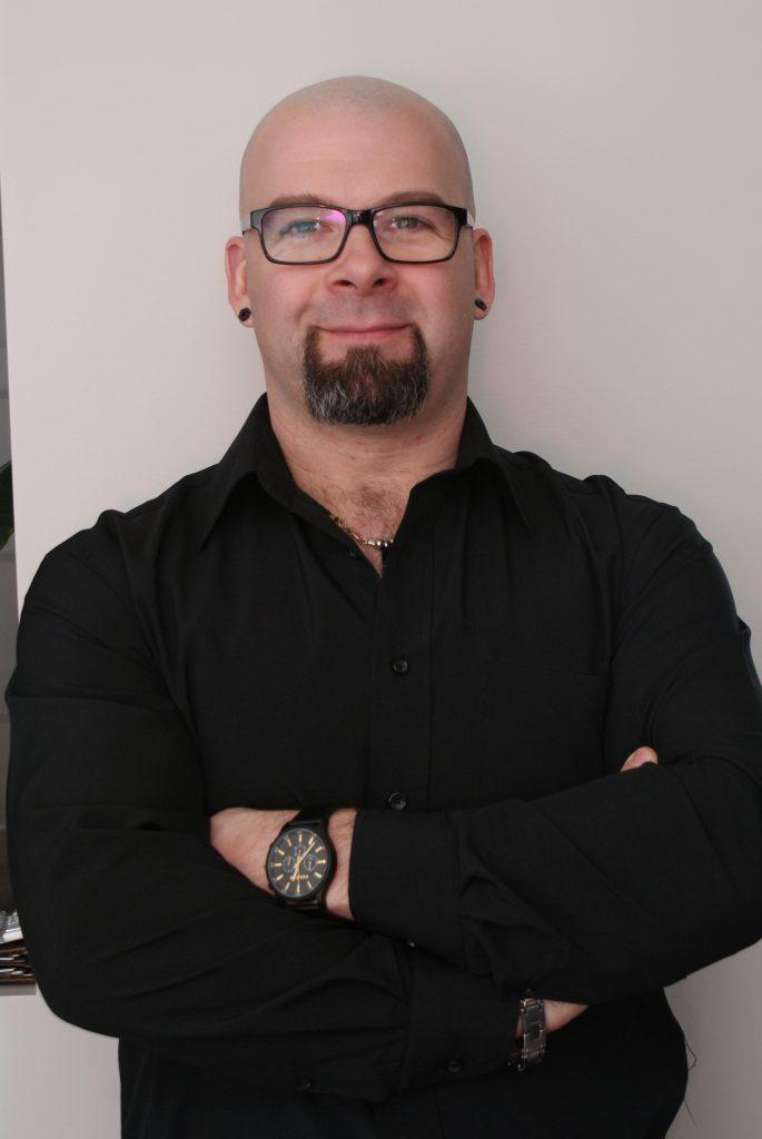 Sylvain Simard, Inspecteur en bâtiments à Chapais. en Jamésie, dans le Nord-du-Québec